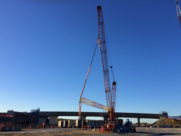 Manitowoc M16000 Lucinda Crossing Project lifting bridge beam from distance