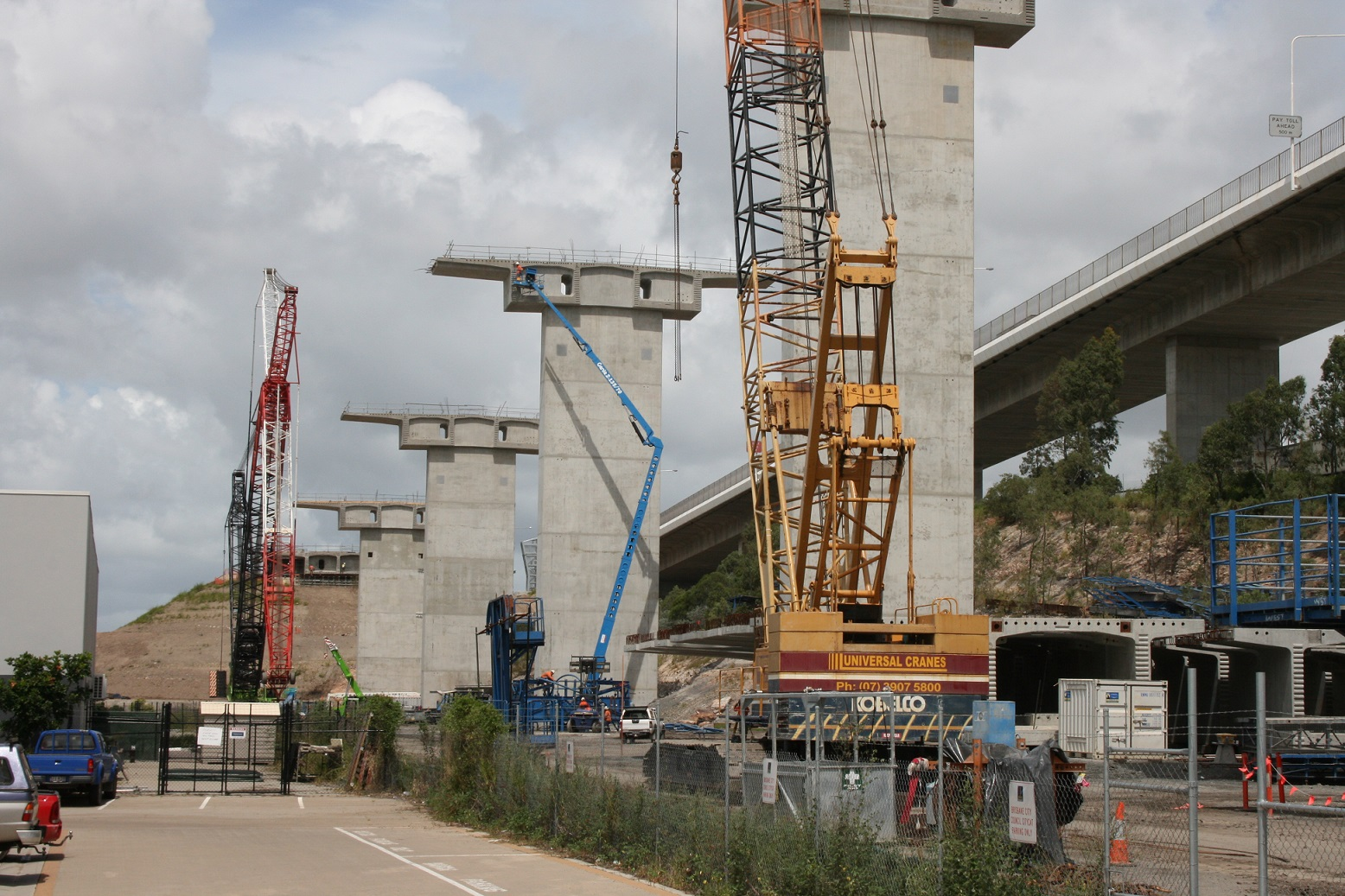 Universal Cranes Gateway Bridge Upgrade Project North Bank Crane Hire